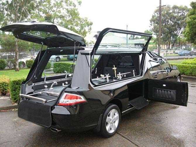 funeral-hearse-3